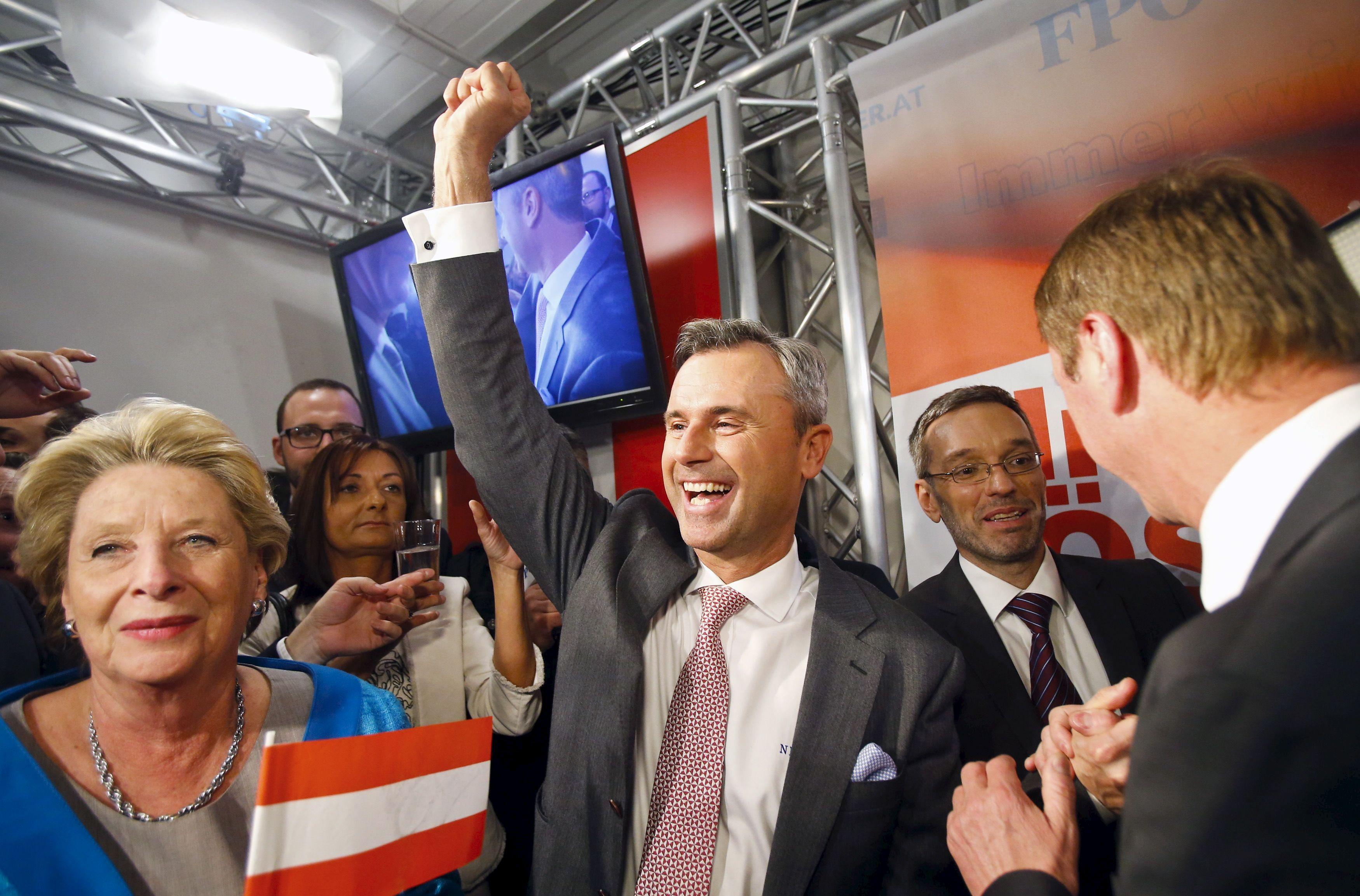 Norbert Hofer au siège du Parti de la liberté d'Autriche (FPÖ) le soir de sa victoire le 24 avril 2016 à Vienne en Autriche