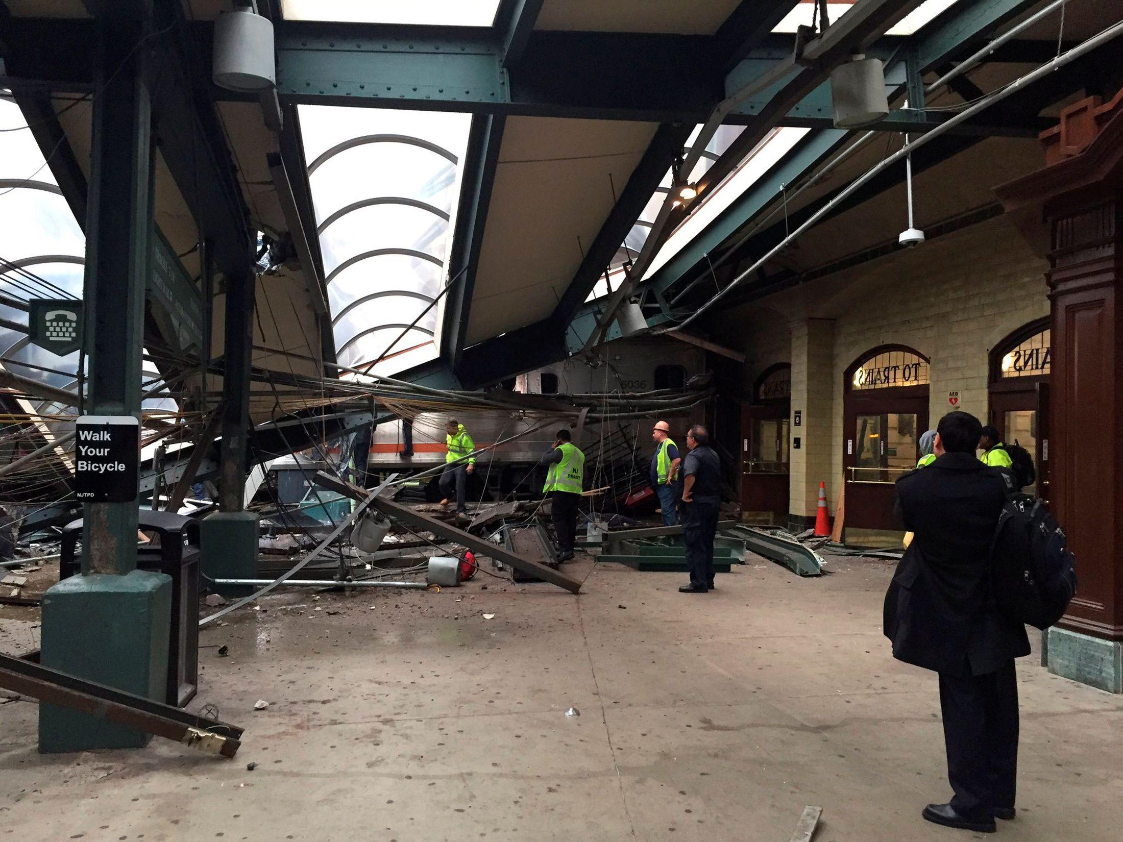États-Unis : au moins un mort et une centaine de blessés dans un accident de train près de New York