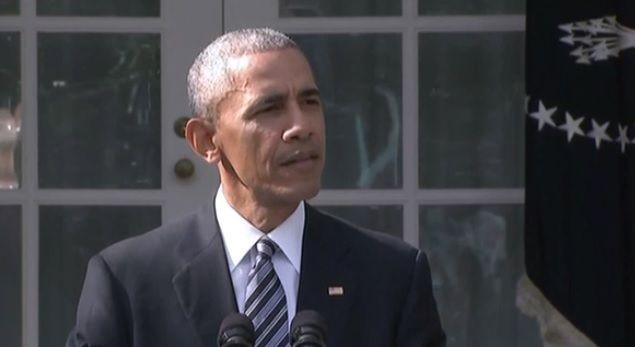 Café et théâtre : Barack Obama fait une apparition très remarquée à New York