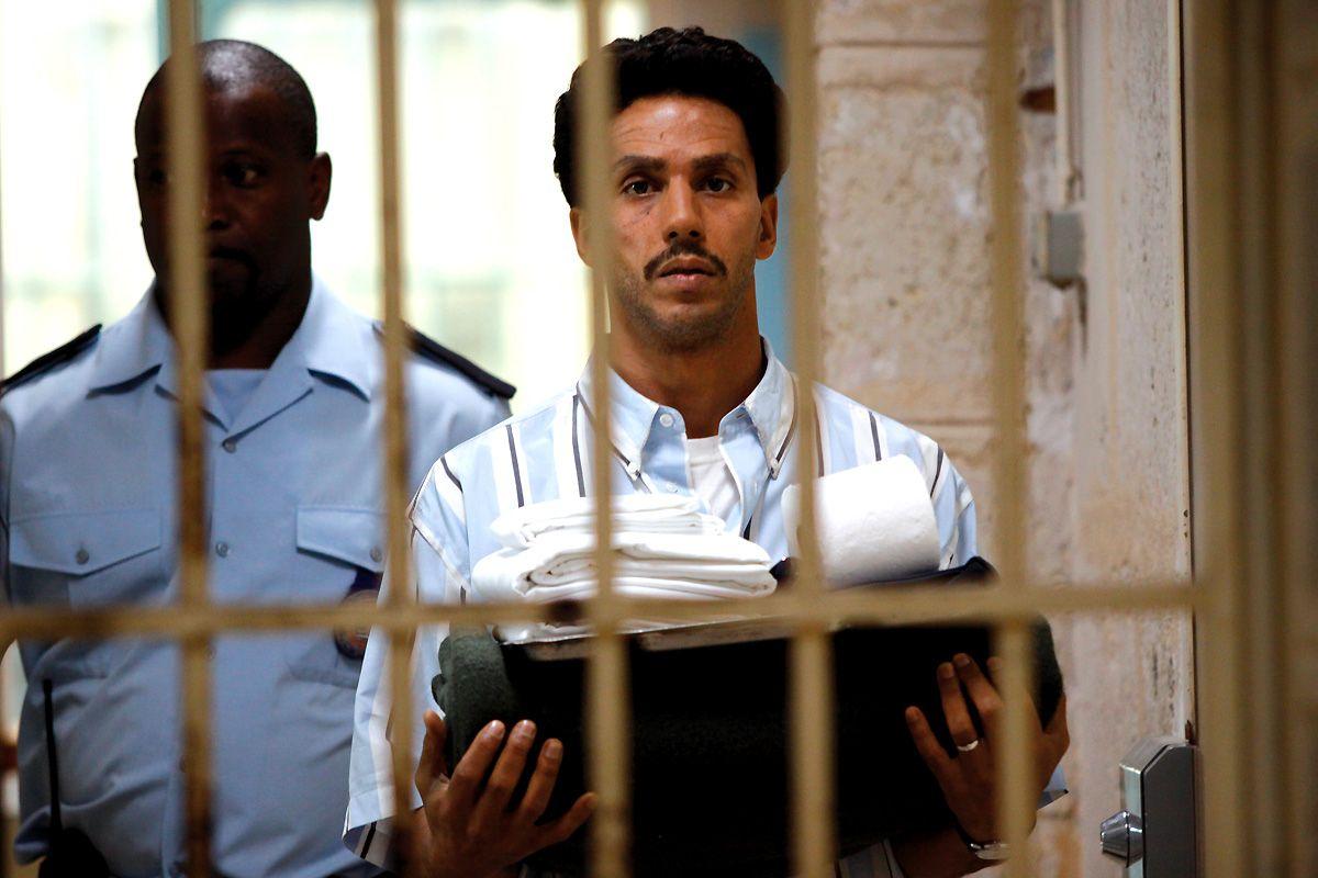 Le film est loin de prétendre à la vérité objective et de faire le procès d'une France raciste.