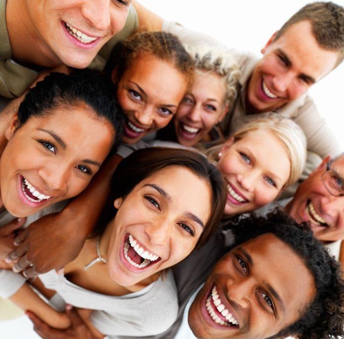 sourire masque coronavirus pandémie bienfaits rire salvateur