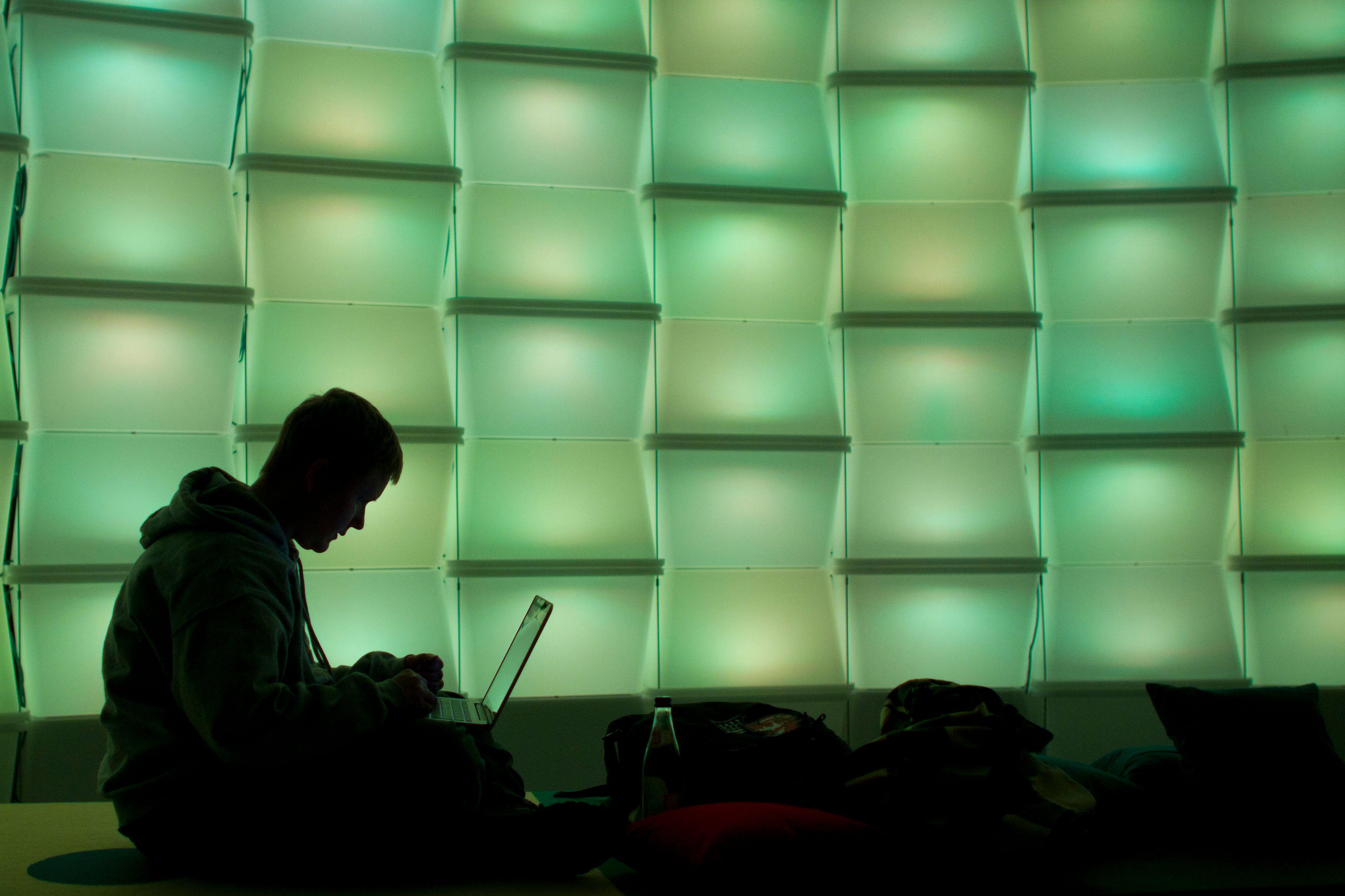 """""""Les médias sociaux ont changé le rapport des gens à l'information."""""""