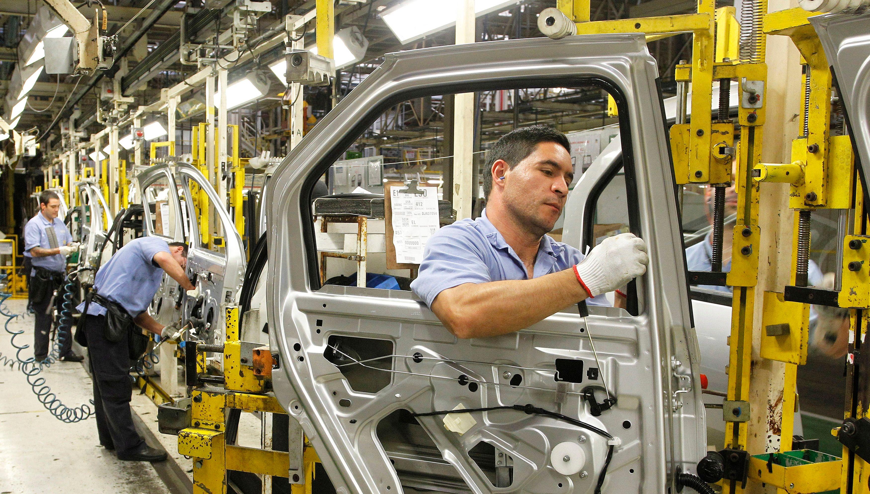 Les salariés deviennent plus productifs par crainte de la récession afin de protéger leur emploi.