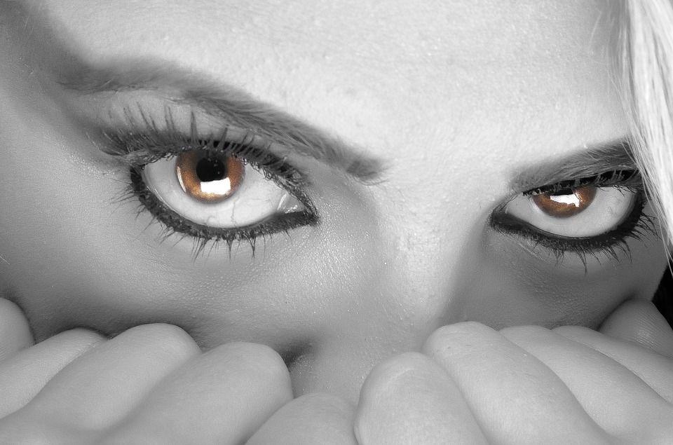 Démêler le vrai du faux sur la santé : les yeux sont bien les fenêtres de l'esprit