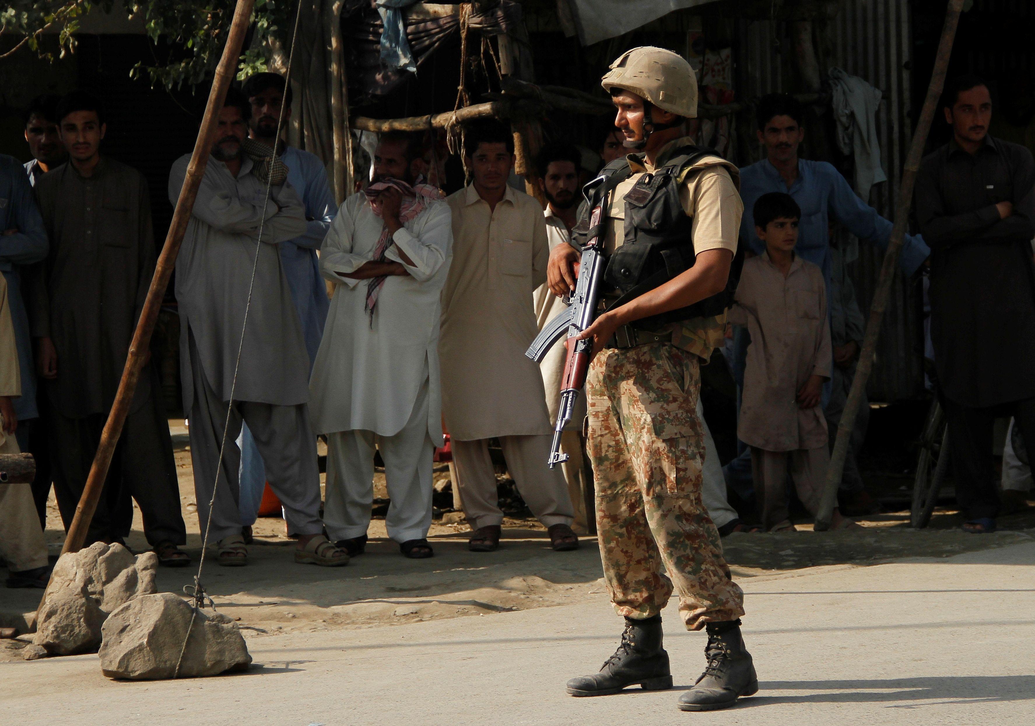Pakistan : deux attaques terroristes font au moins treize morts et des dizaines de blessées
