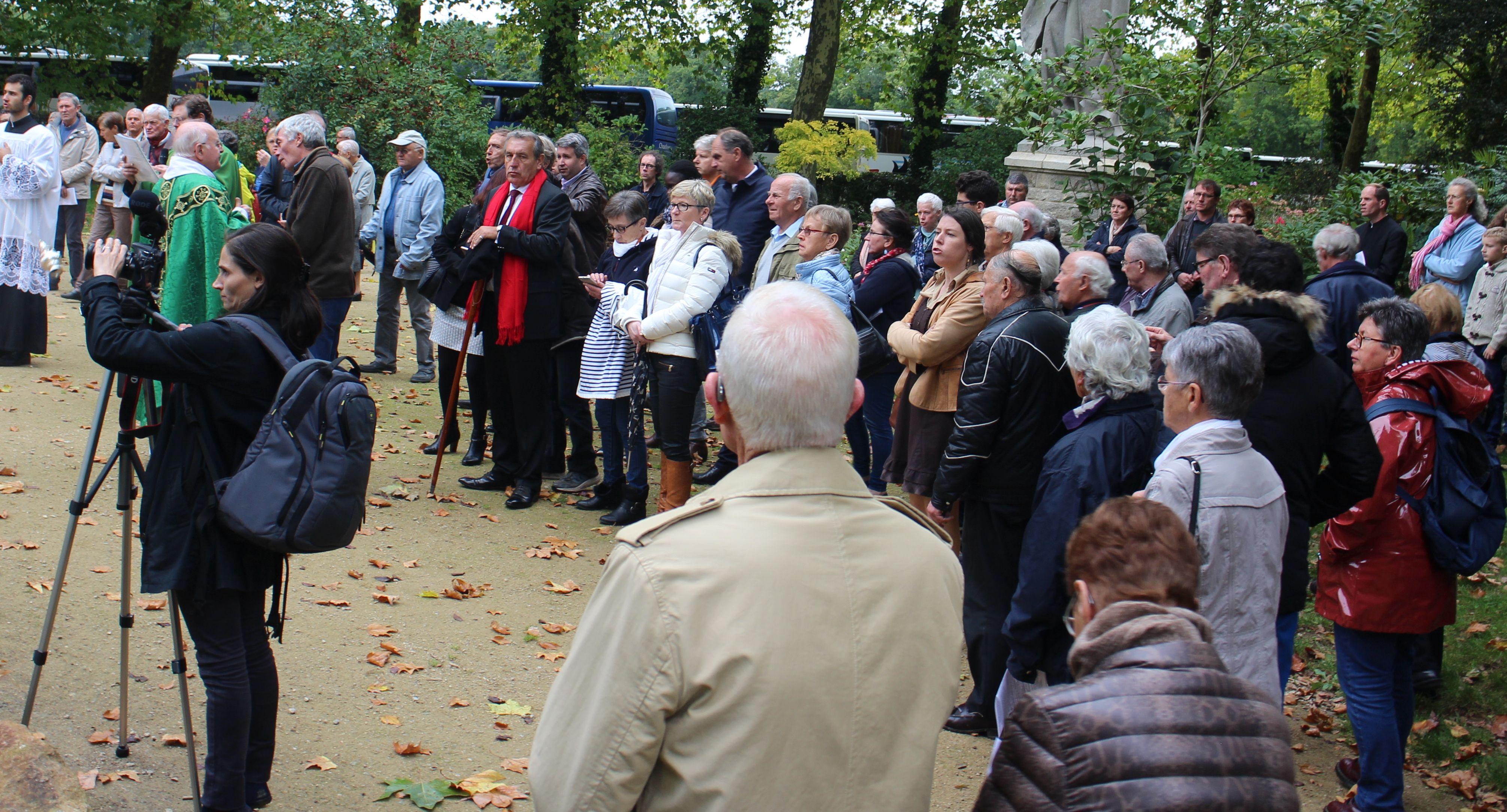 Patrick Maurin (écharpe rouge) a participé à l'édition 2017 de la journée d'hommage aux familles endeuillées par un suicide agricole.