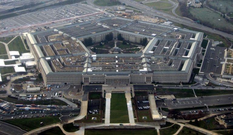 Le Pentagone a autorisé les militaires américains à défiler en uniforme à la gaypride.