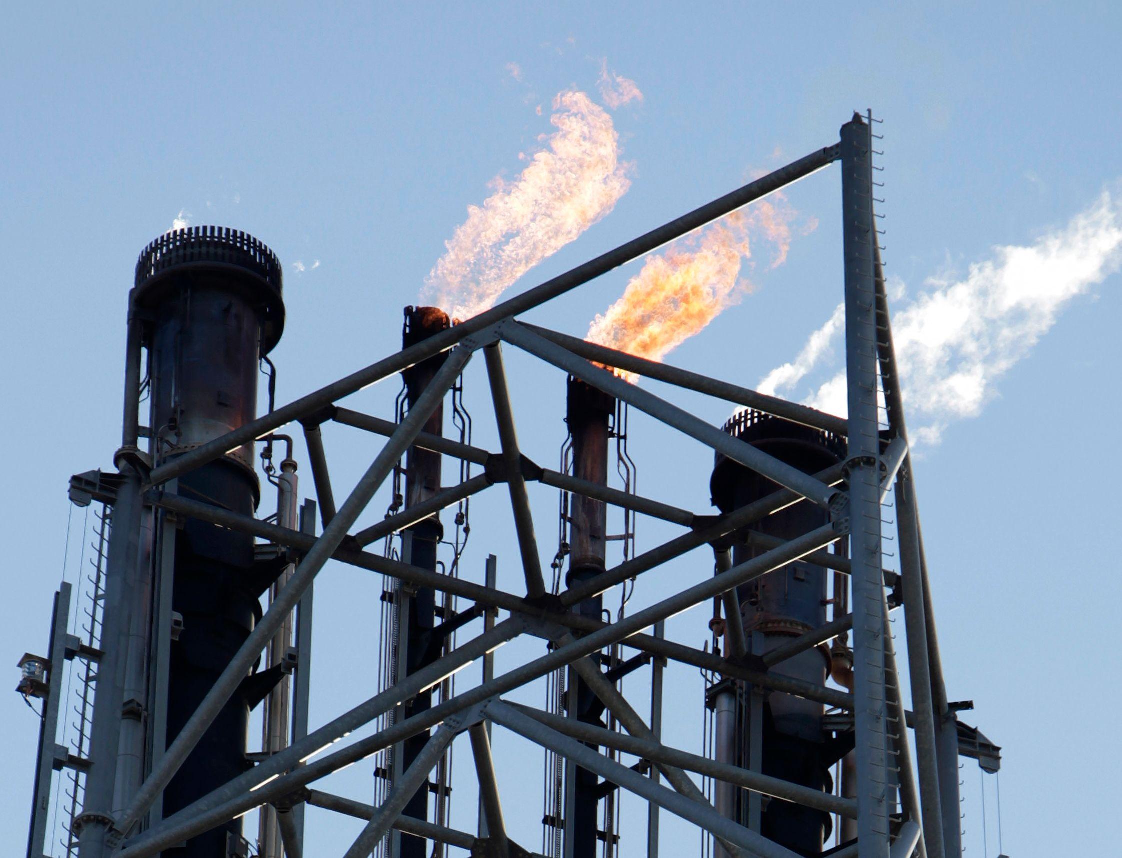 Le choc pétrolier à la baisse va-t-il atténuer la crise économique qui vient ou l'accentuer ?