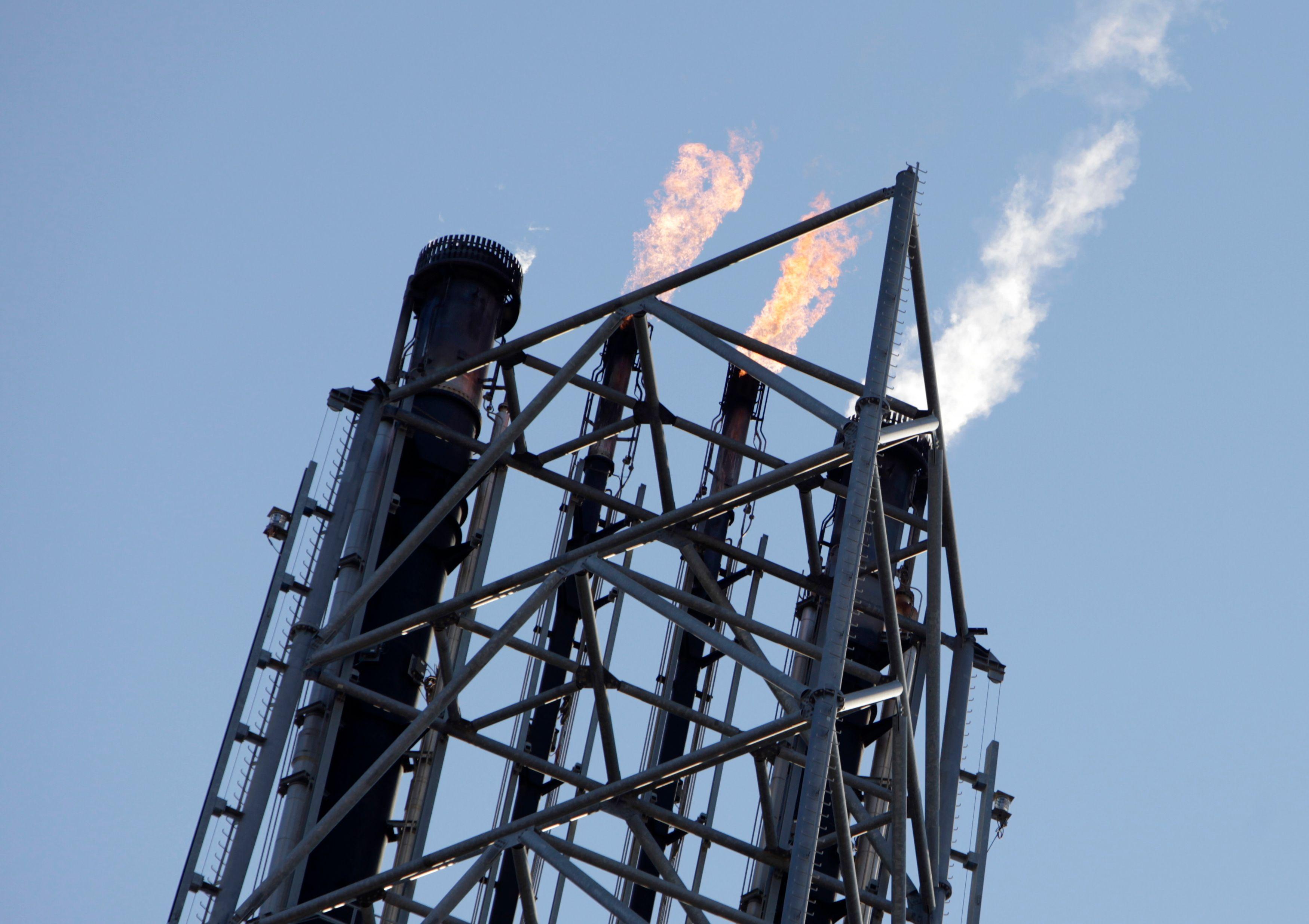 Le rejet même de l'utilisation des hydrocarbures stérilise toute tentative d'évoquer une exploitation propre.