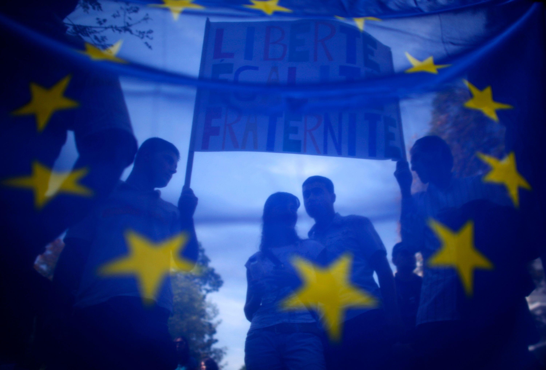 """""""70 % des Espagnols, 62 % des Italiens mais aussi 61 % des Français jugent ainsi que leur pays pourrait, certainement ou probablement, connaître dans les prochains mois ou années la même situation que la Grèce, l'Irlande ou le Portugal""""."""