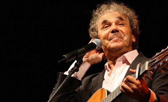 Depuis plus d'un tiers de siècle Pierre Perret chante la France.