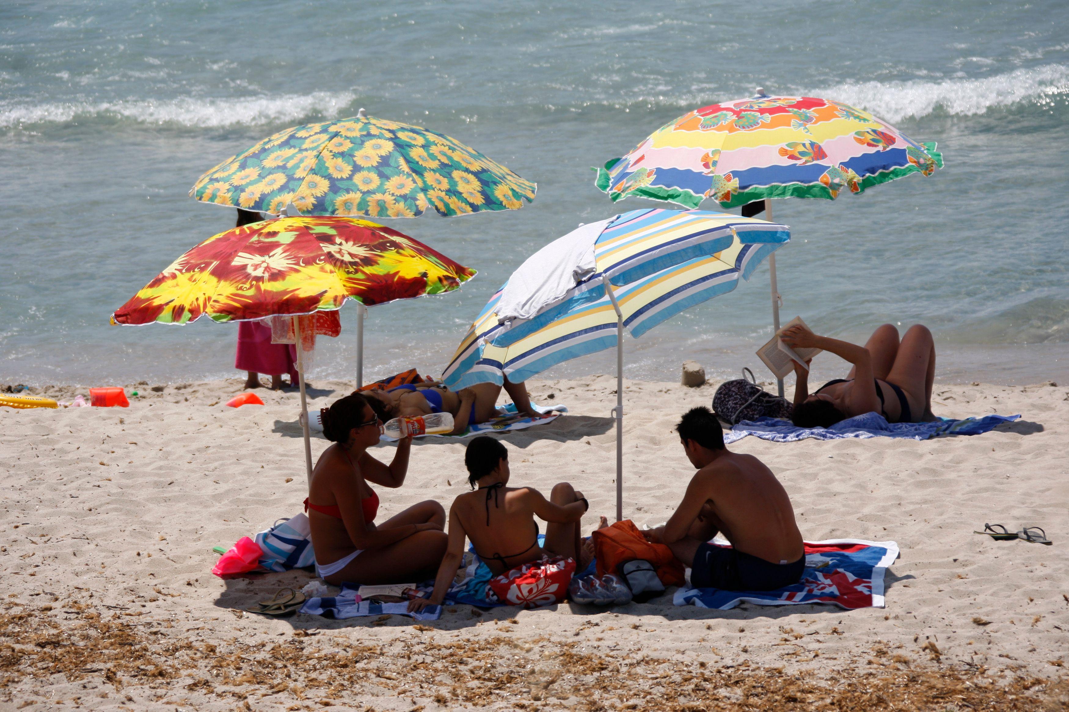 Selon une étude de l'INSEE sur les congés des Français en 2010 publiée fin 2012, les Français prennent en moyenne 6 semaines de vacances par an