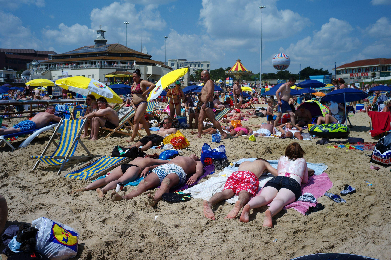 La plage est l'un des espaces publics dans lequel nous contrôlons le plus notre apparence et nos interactions sociales.