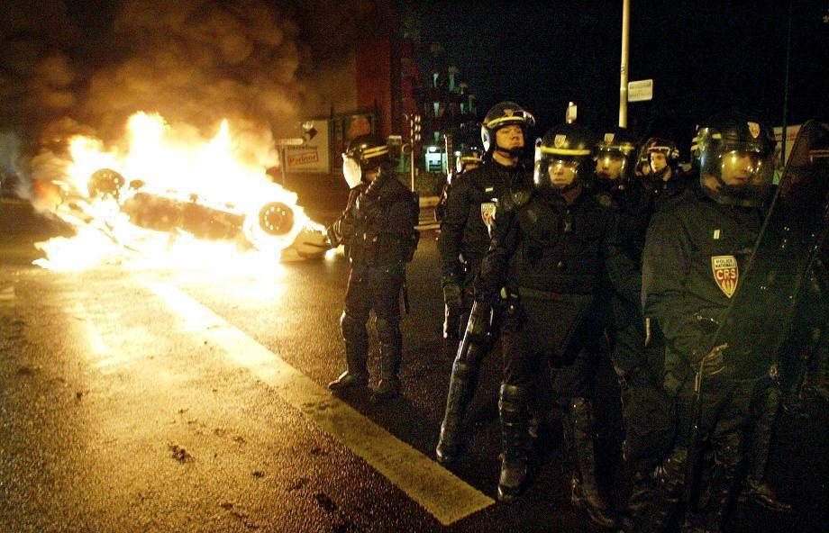 Comment enrayer les violences qui agitent certaines banlieues françaises ?