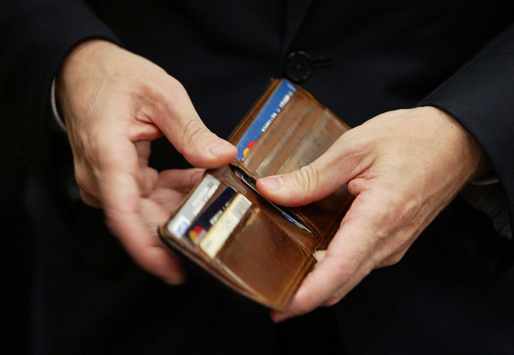 François Hollande a fixé un objectif à l'État : économiser au moins 50 milliards d'euros entre 2015 et 2017.
