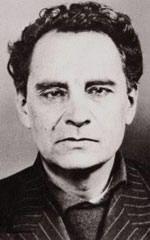 En 1944, le docteur Marcel Petiot est arrêté et accusé d'avoir assassiné puis incinéré vingt-sept personnes