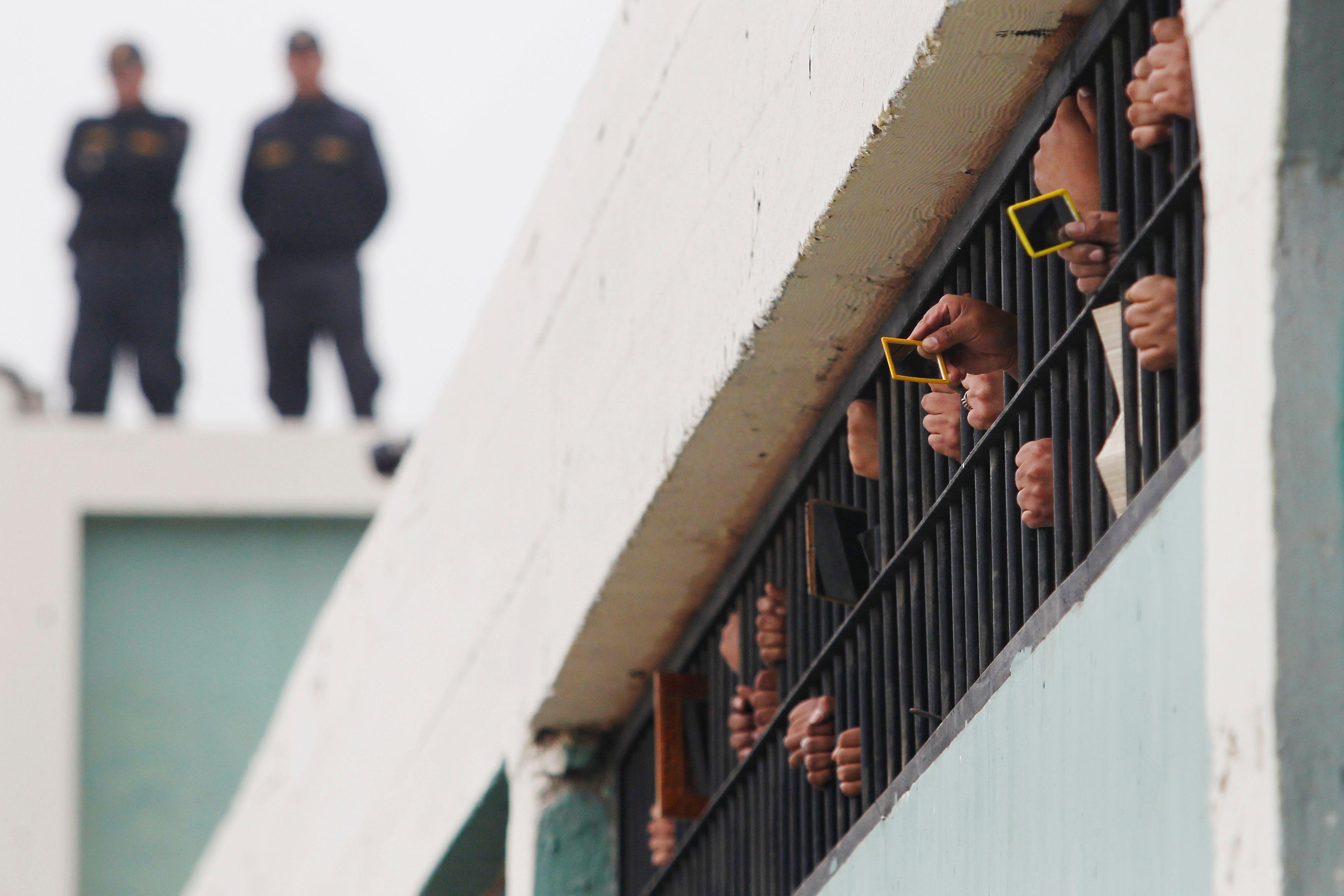 Hier ont eu lieu de grandes manifestations de surveillants de prison à travers toute la France.