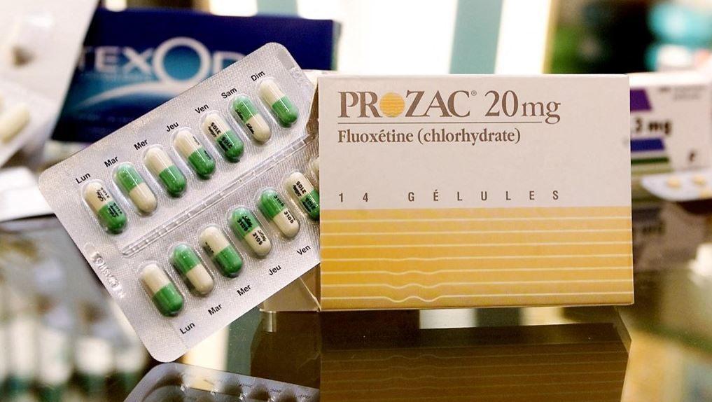 Une boîte d'antidépresseurs (Prozac).