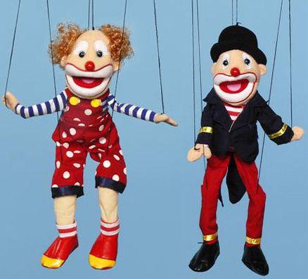 Des marionnettes.