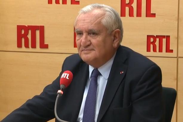 Raffarin soulignait pour le Figaro, l'importance de la défense dans l'intérêt national