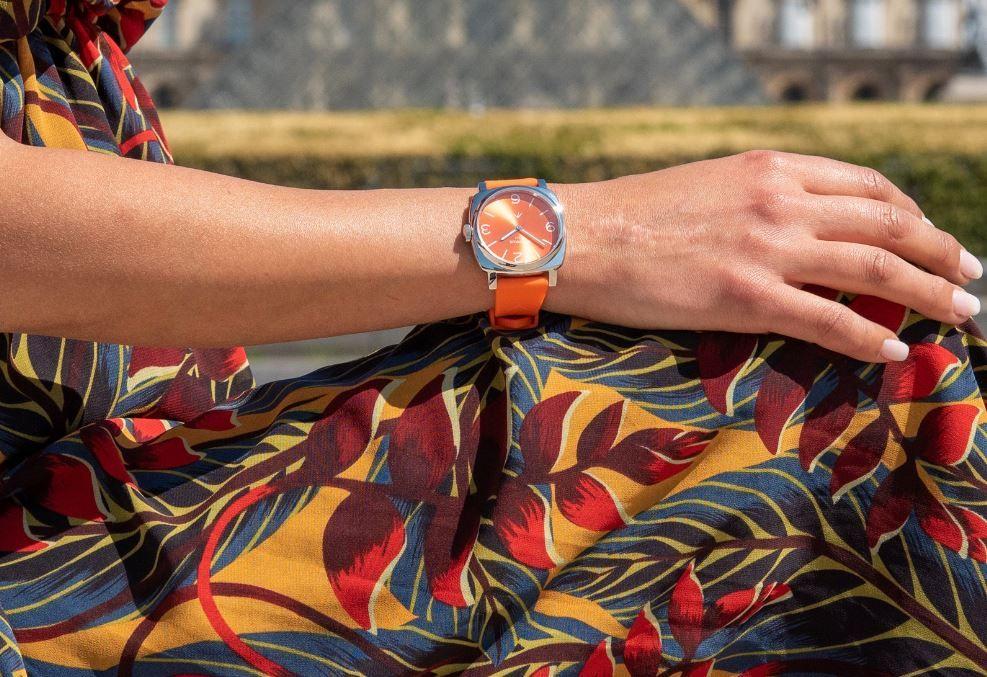 Quand les couleurs éclatent et quand les sportives rayonnent : c'est l'actualité des montres en mode prairial