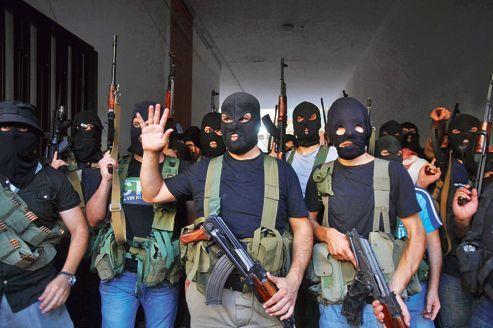 Des miliciens chiites du clan al-Mouqdad ont annoncé, jeudi, depuis leur QG dans la banlieue de Beyrouth, détenir une vingtaine de Syriens en représailles après la captivité d'un des leurs aux mains de la rébellion syrienne.