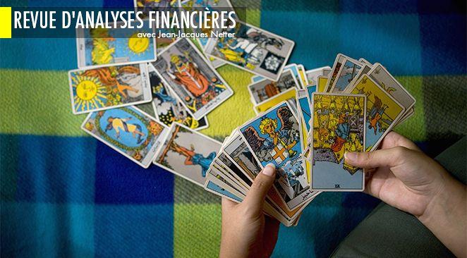 Une diseuse de bonne aventure établit les cartes de tarot pour son client à Téhéran / Photo dillustration.
