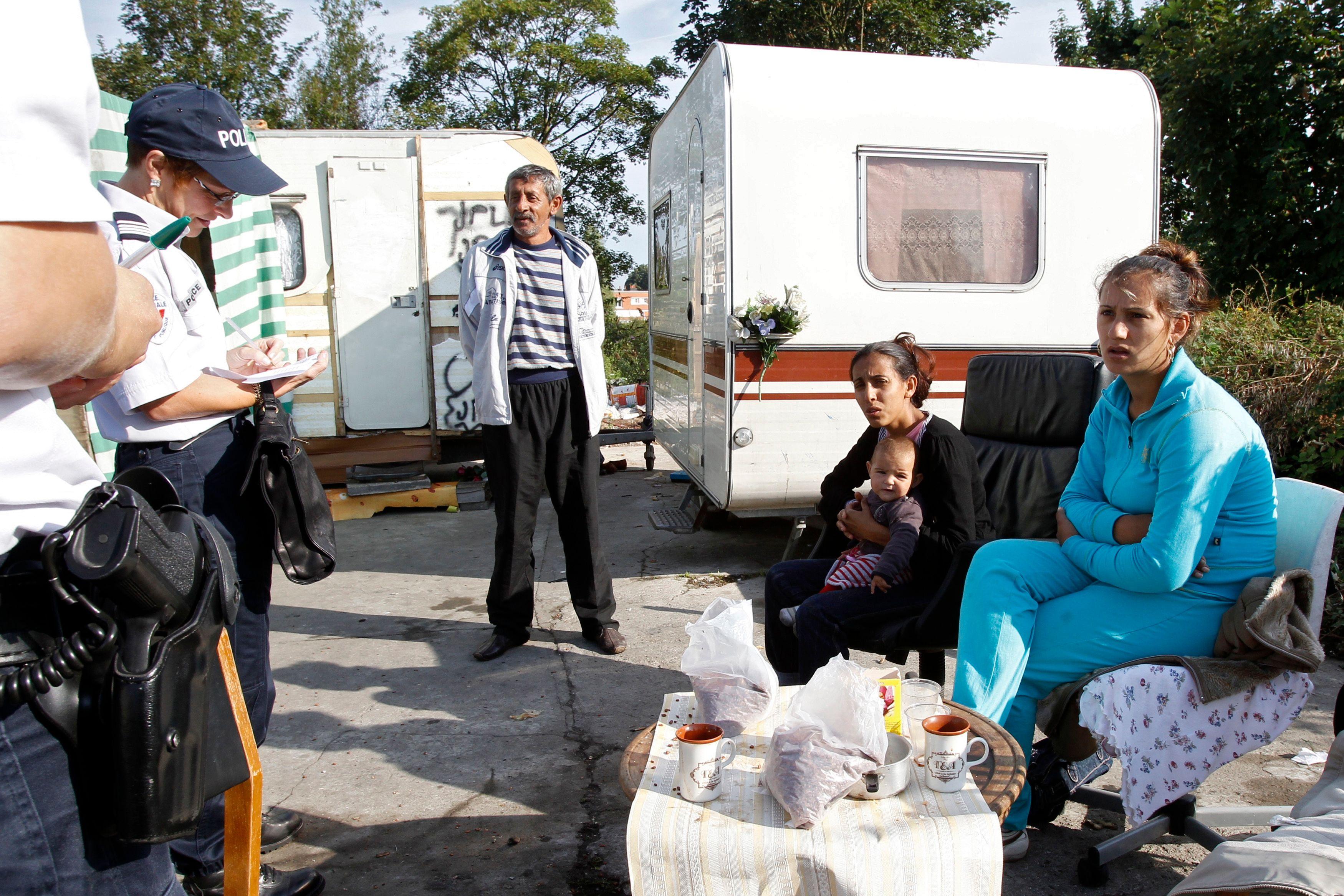 Un campement de quelque 200 Roms, dont une soixantaine d'enfants, a été démantelé par les forces de l'ordre ce jeudi à Hellemmes, près de Lille.