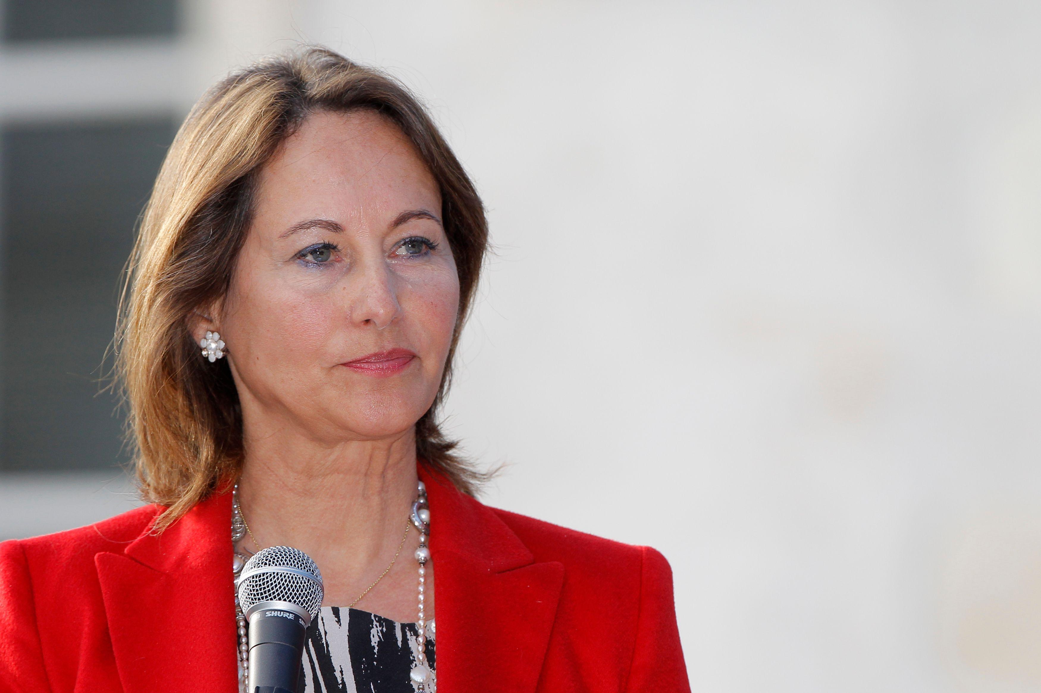"""Rumeurs de liaison entre Julie Gayet et François Hollande : """"Ilfaut tourner la page"""", dit Ségolène Royal"""