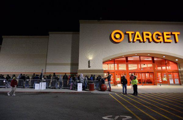 Pourquoi les magasins Target se retirent du marché canadien