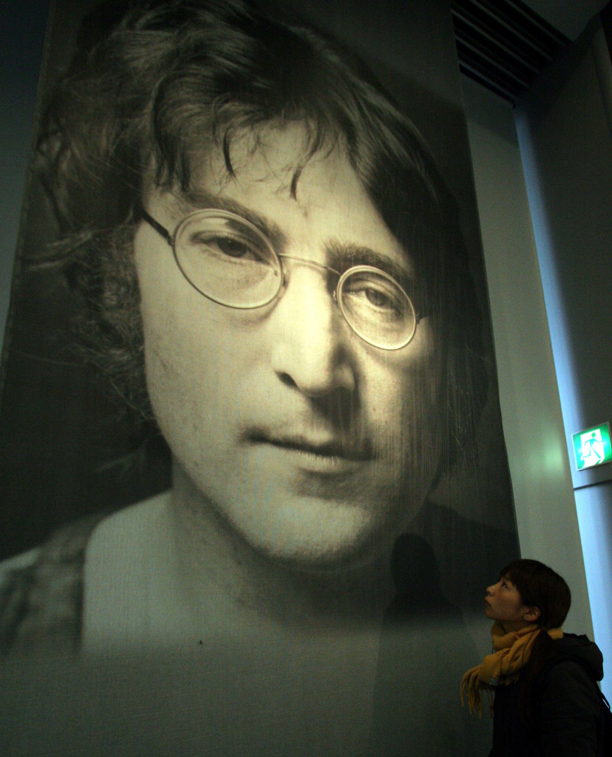 Mikael Zuk, un dentiste canadien, souhaite ressusciter John Lennon.