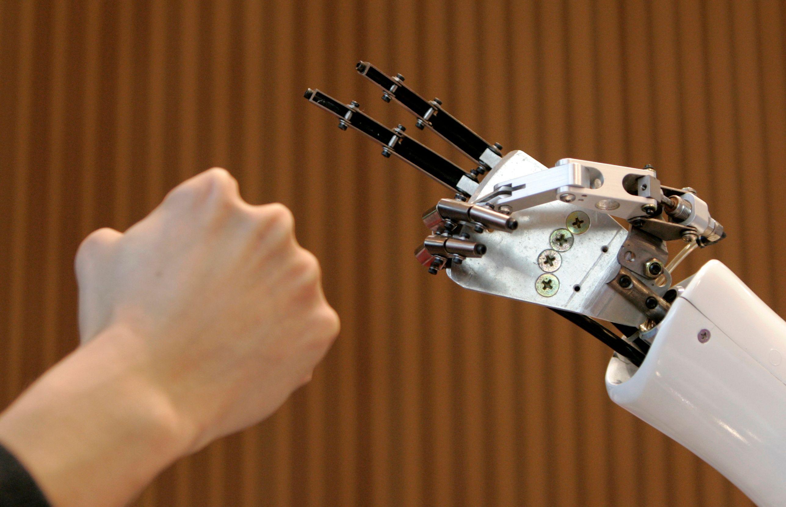 Contrairement aux idées reçues, les robots sont bons pour l'emploi.