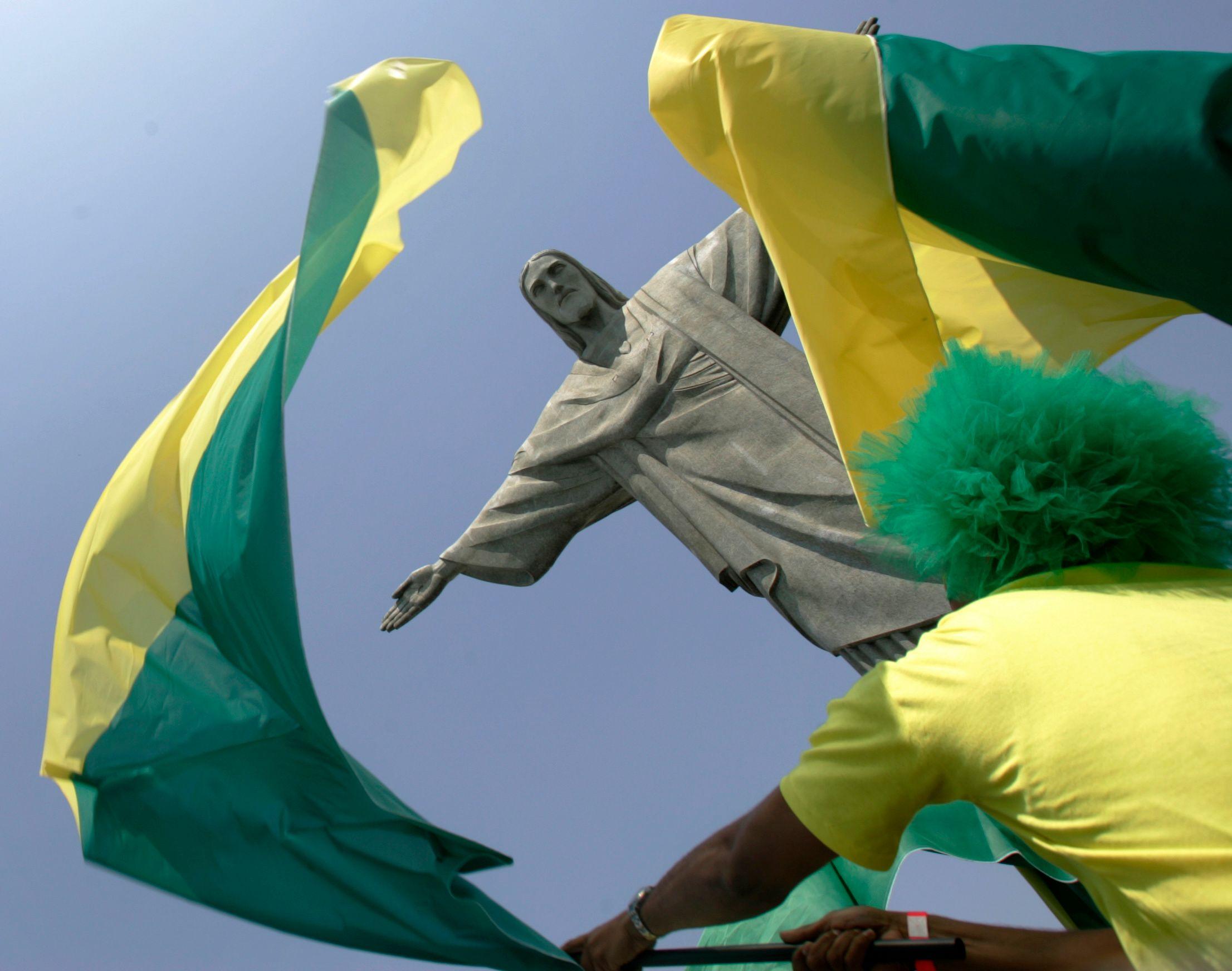 Le Brésil est en fête sur le terrain et en dehors