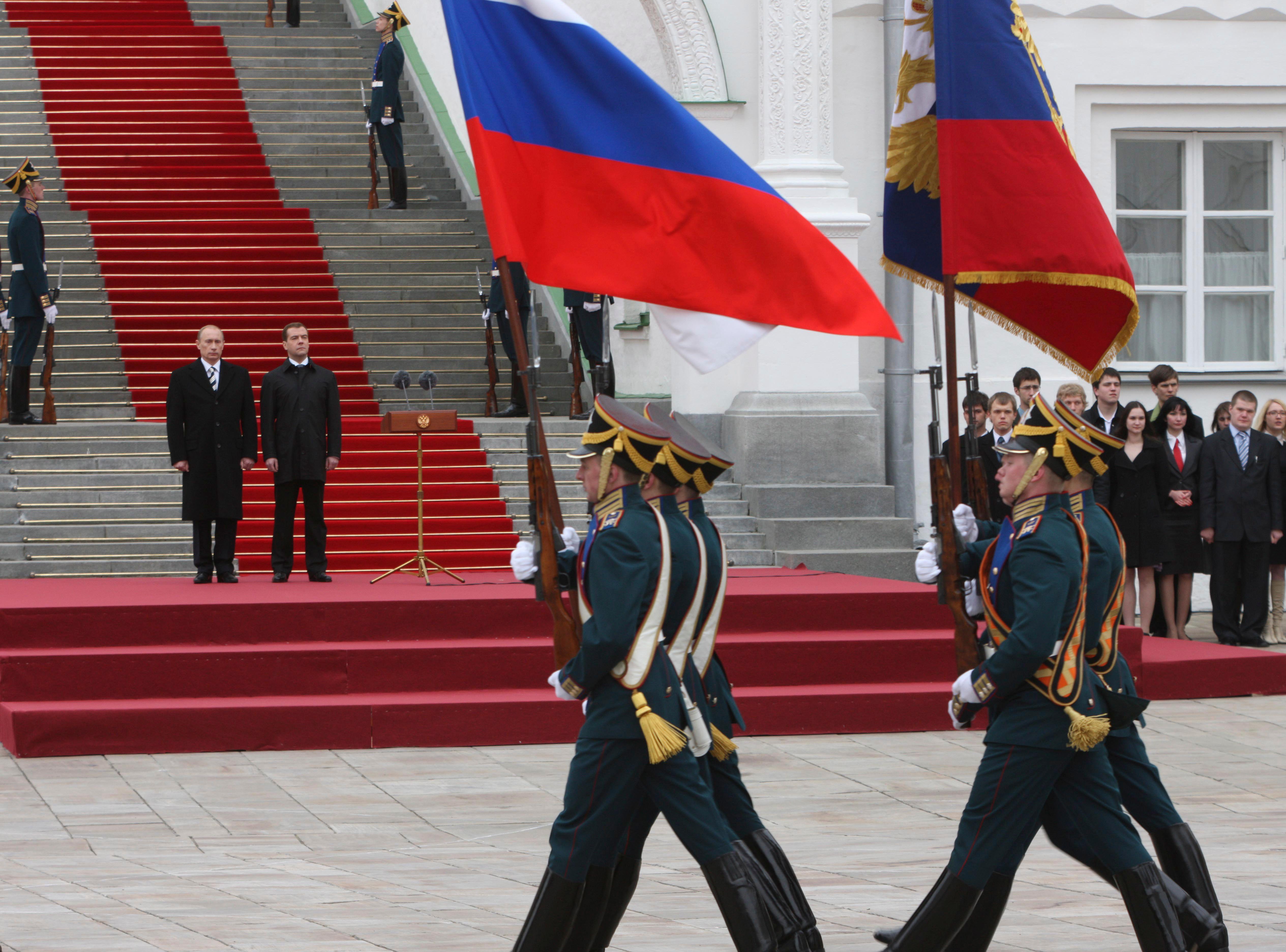 François Hollande envisage la désescalade des sanctions contre la Russie, en fonction des progrès sur le plan diplomatique.