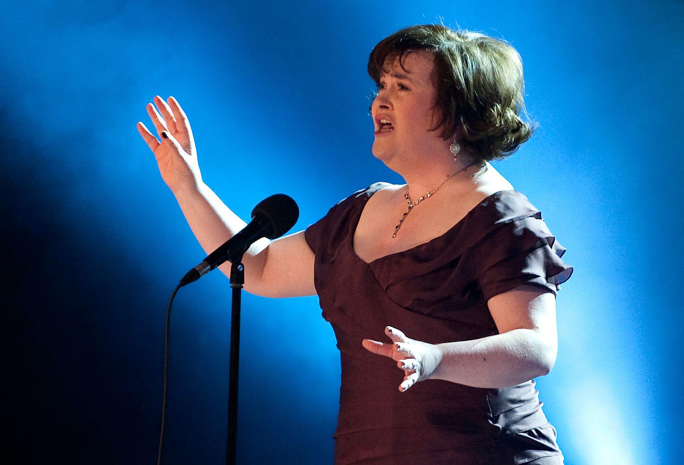 Susan Boyle : millionnaire, elle postule à un poste de caissière