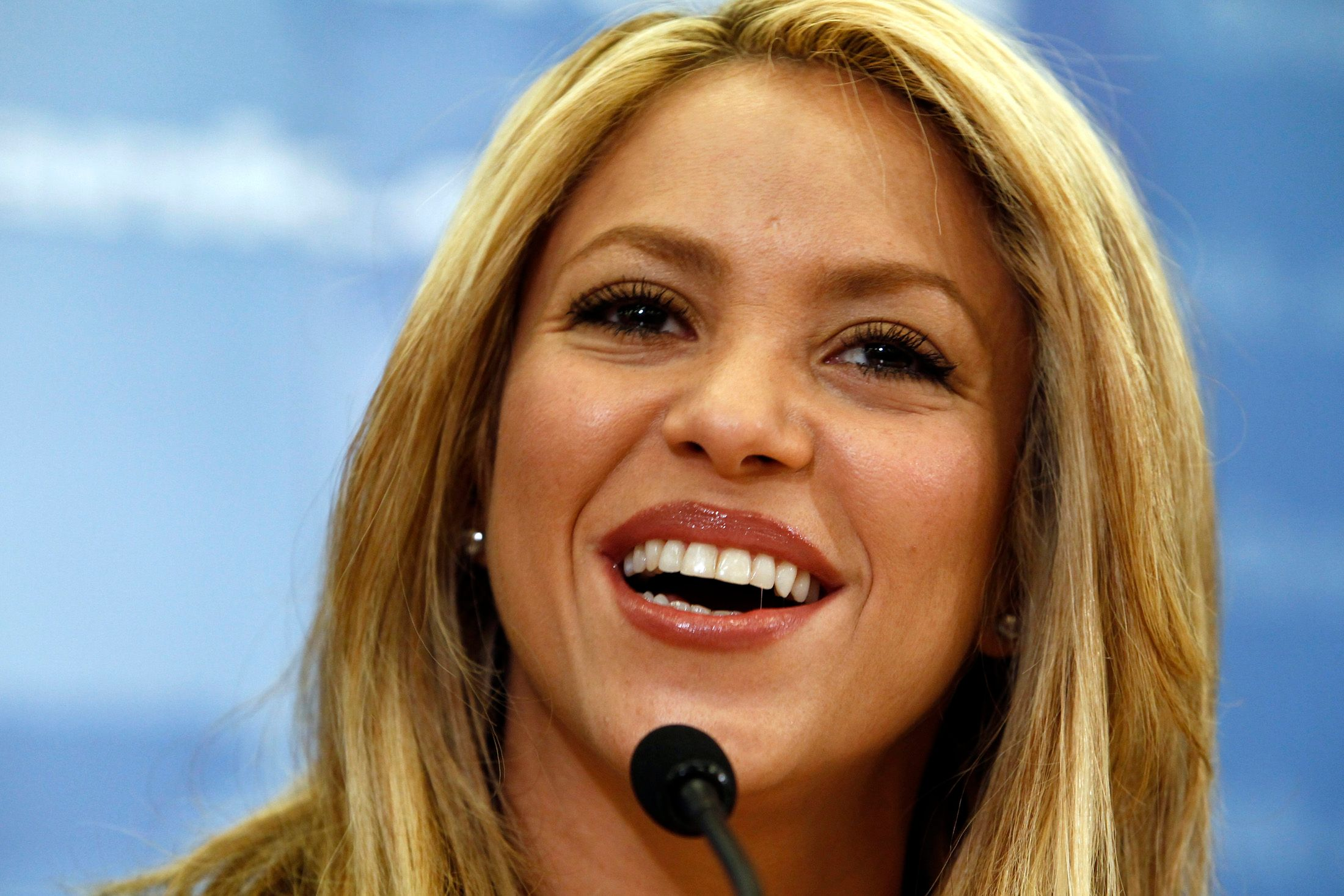 Shakira vient de franchir la barre des 100 millions de fans sur Facebook