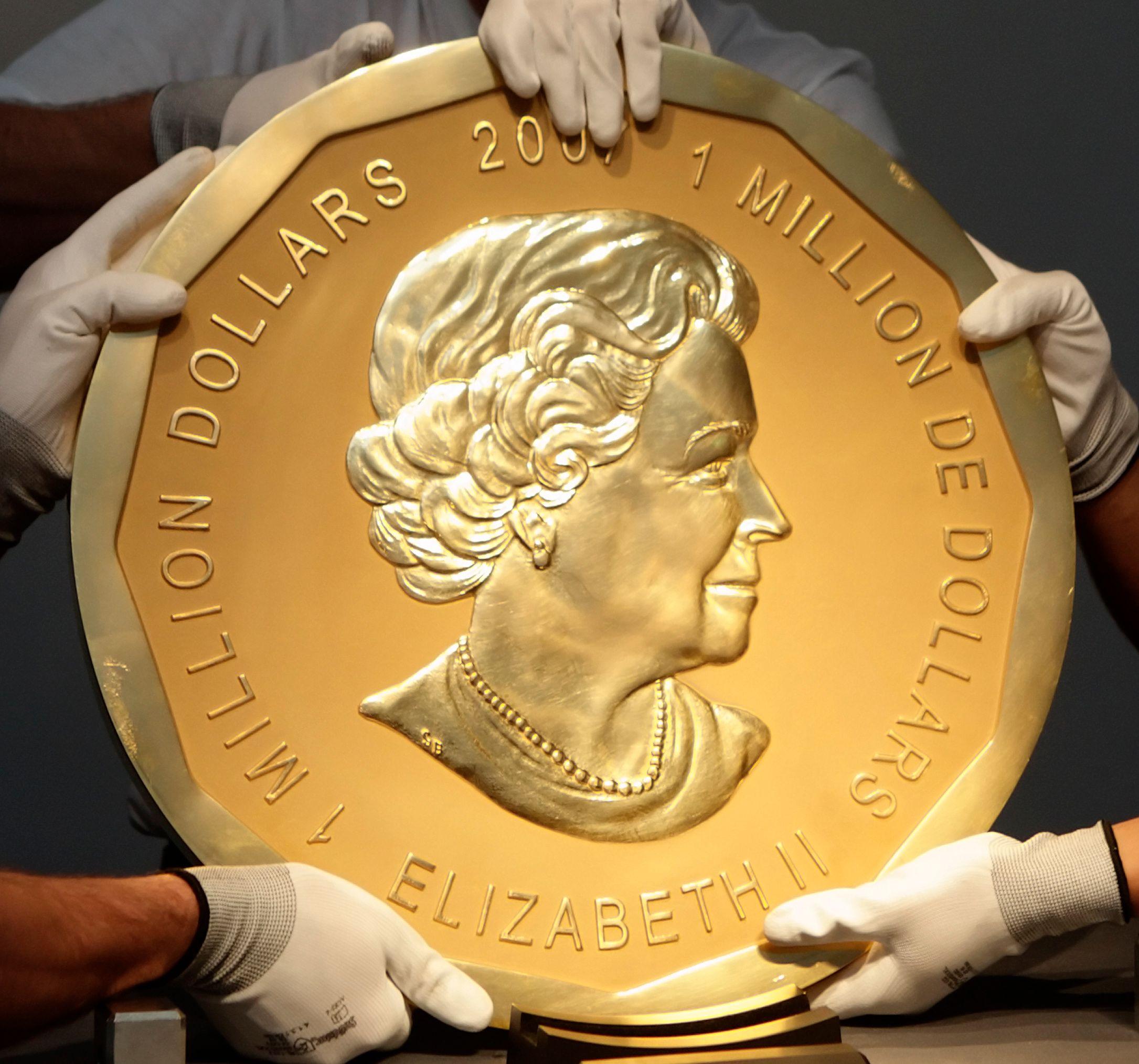 Contrairement à cette pièce en or canadienne (la plus grosse du monde, avec 100 kgs), la pièce de 1000 milliards de dollars serait en platine