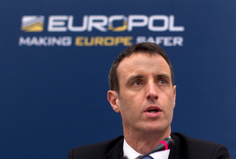 Europol a annoncé lundi avoir démantelé un réseau criminel soupçonné d'avoir truqué 380 matchs de football.