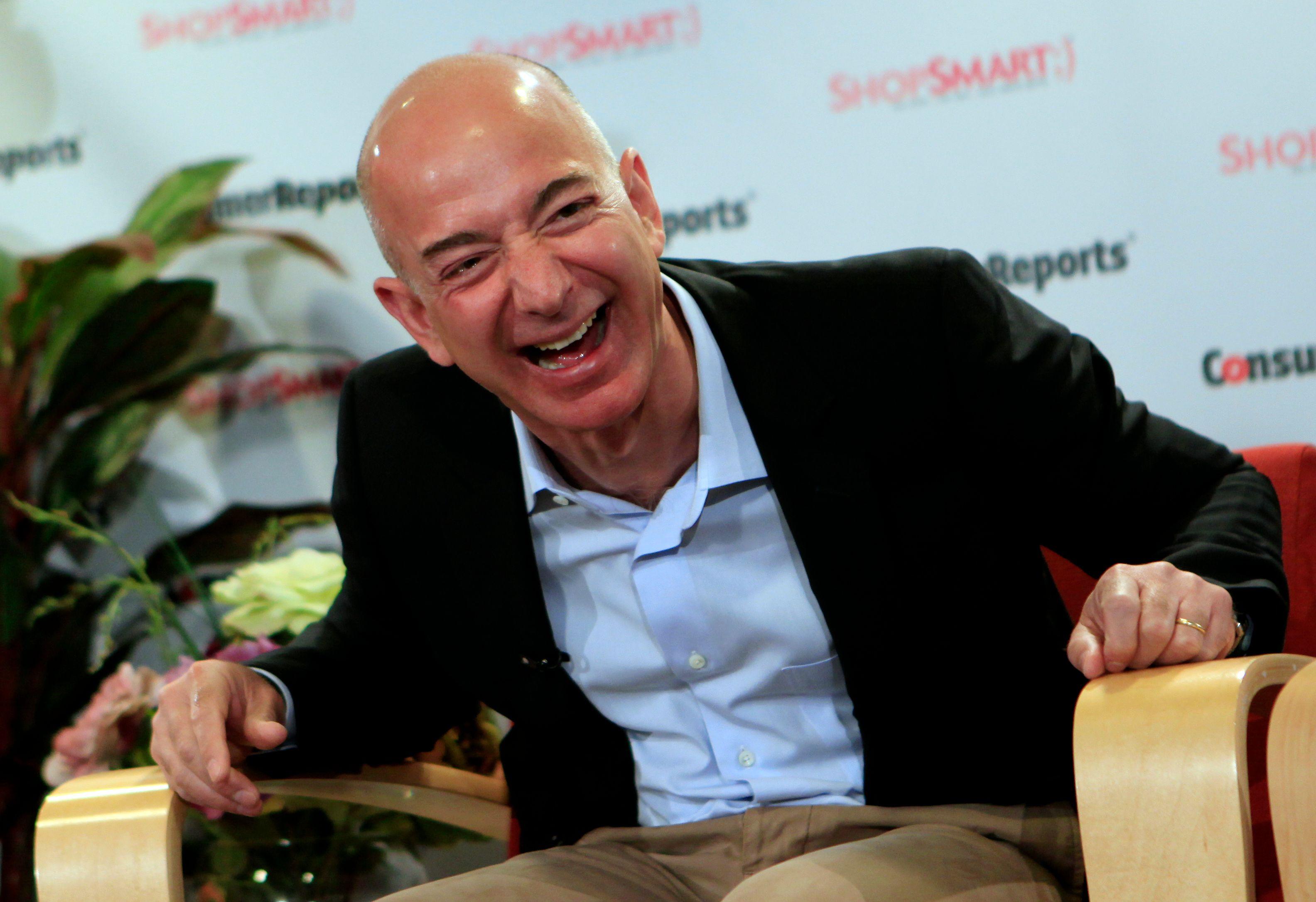 Jeff Bezos, CEO d'Amazon, a ete l'homme le plus riche du monde, ça n'a duré que 24 heures mais ça n'a aucune importance