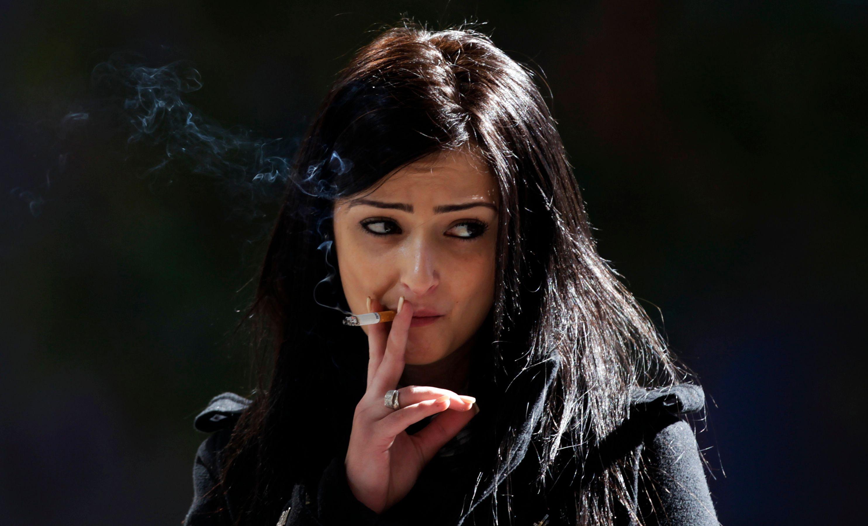 Le risque de mourir d'un cancer du poumon a très fortement augmenté ces dernières décennies chez les femmes qui fument.