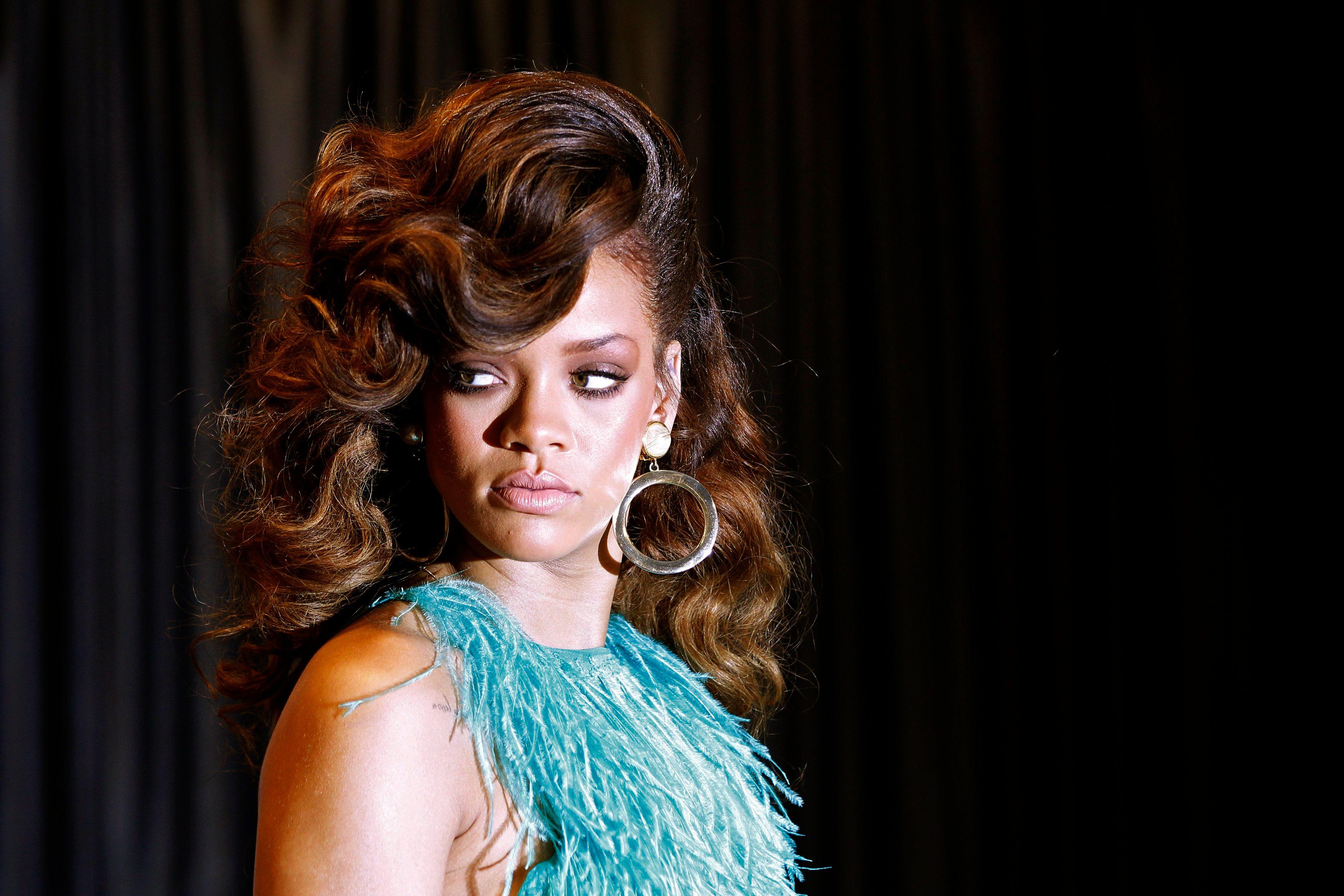 Rihanna : sermonnée par sa mère pour sa photo en string