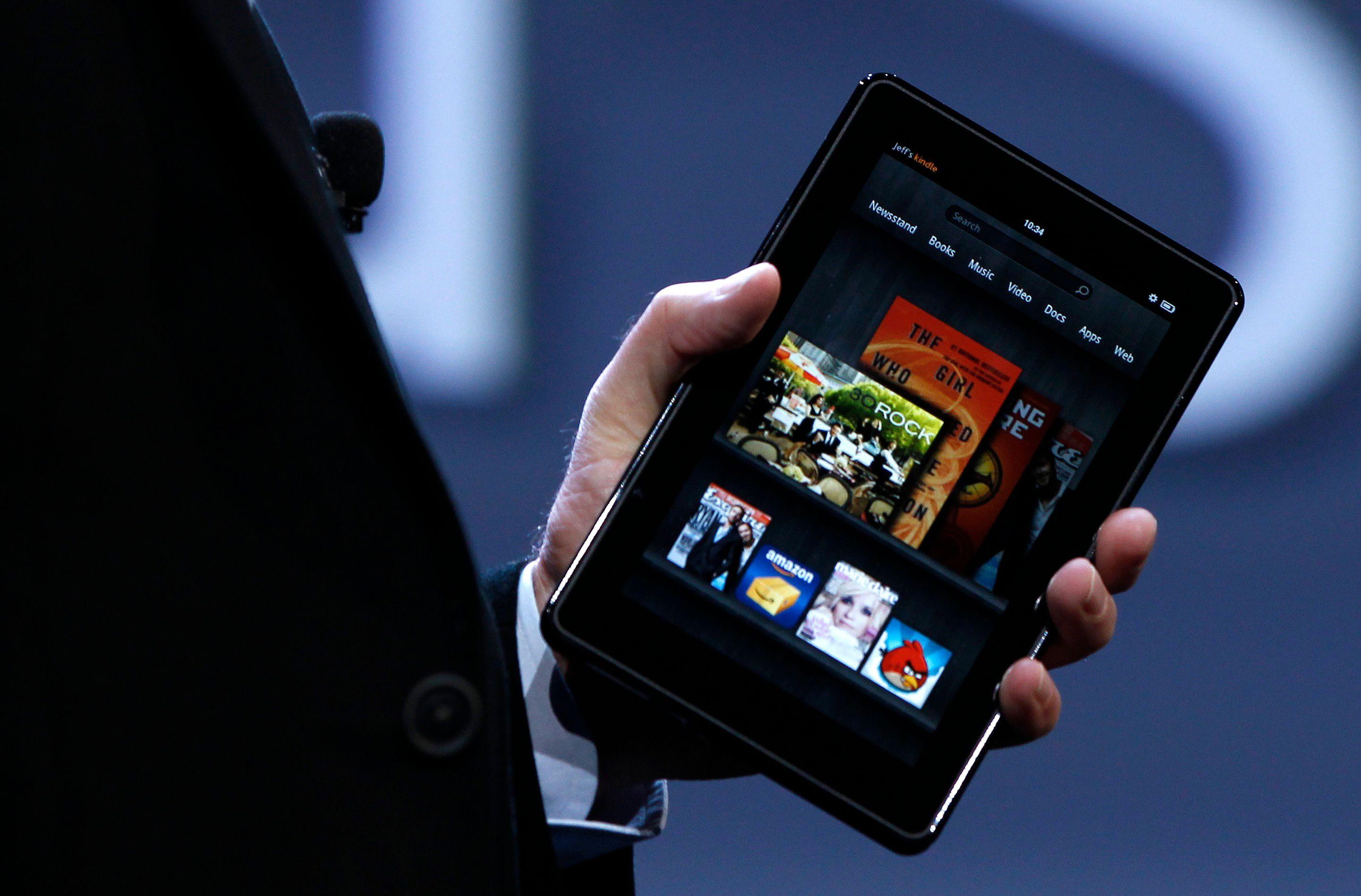 Pourquoi les marchés portent Amazon au pinacle et vouent Apple aux gémonies