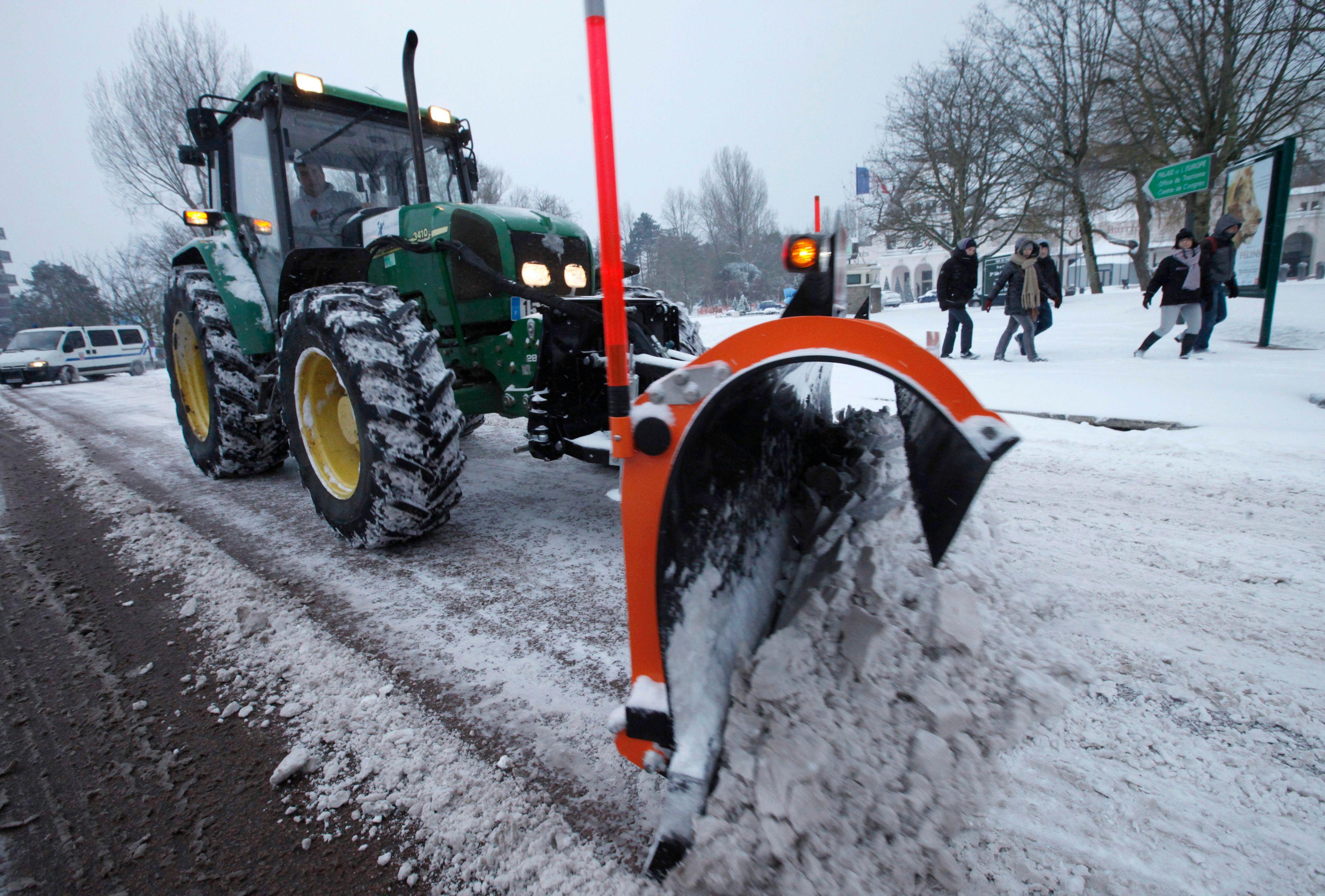 Il devrait neiger fortement sur huit départements à partir de ce vendredi après-midi