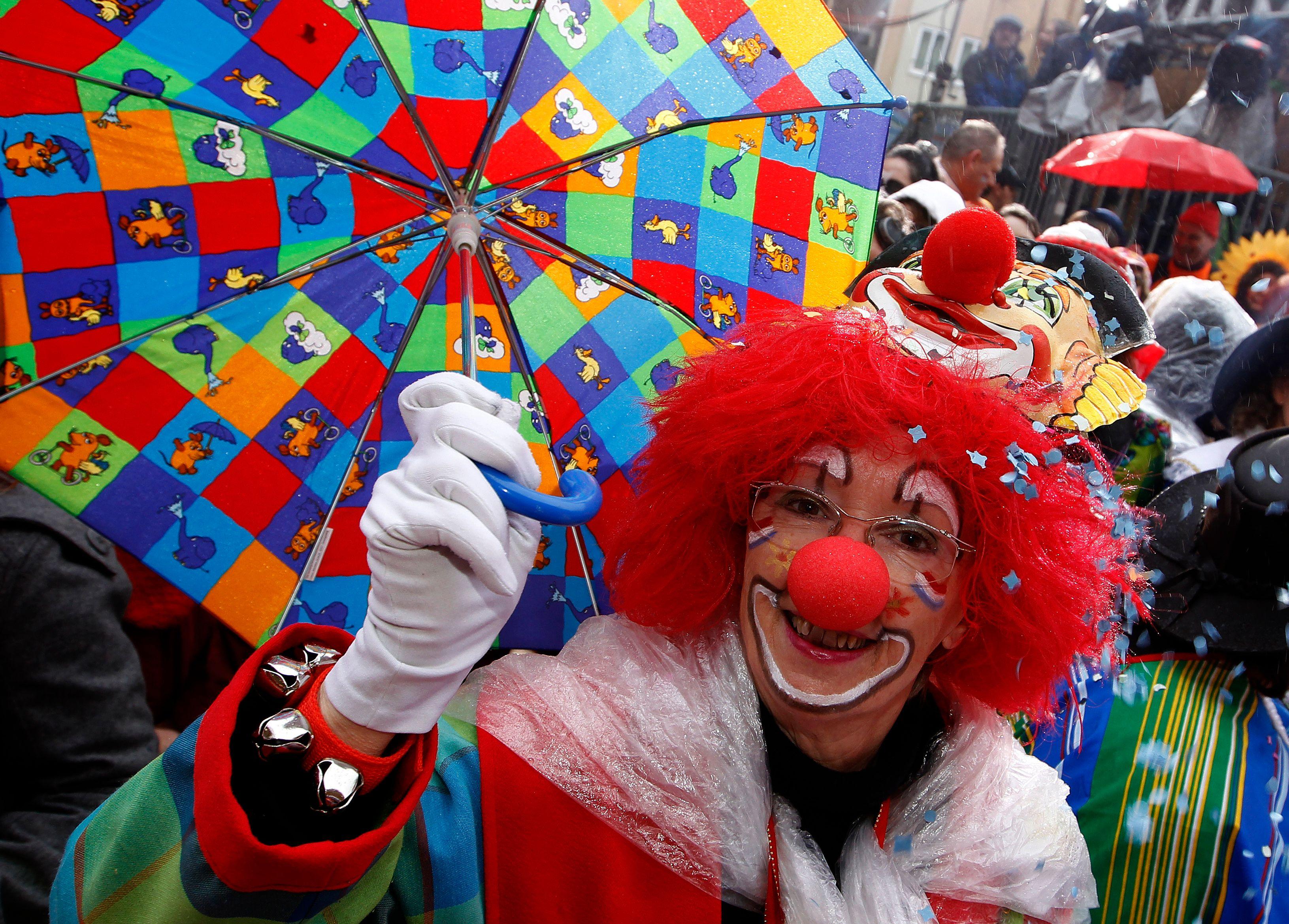 Les génies de l'arnaque : ce clown qui se fit passer pour le roi d'Albanie