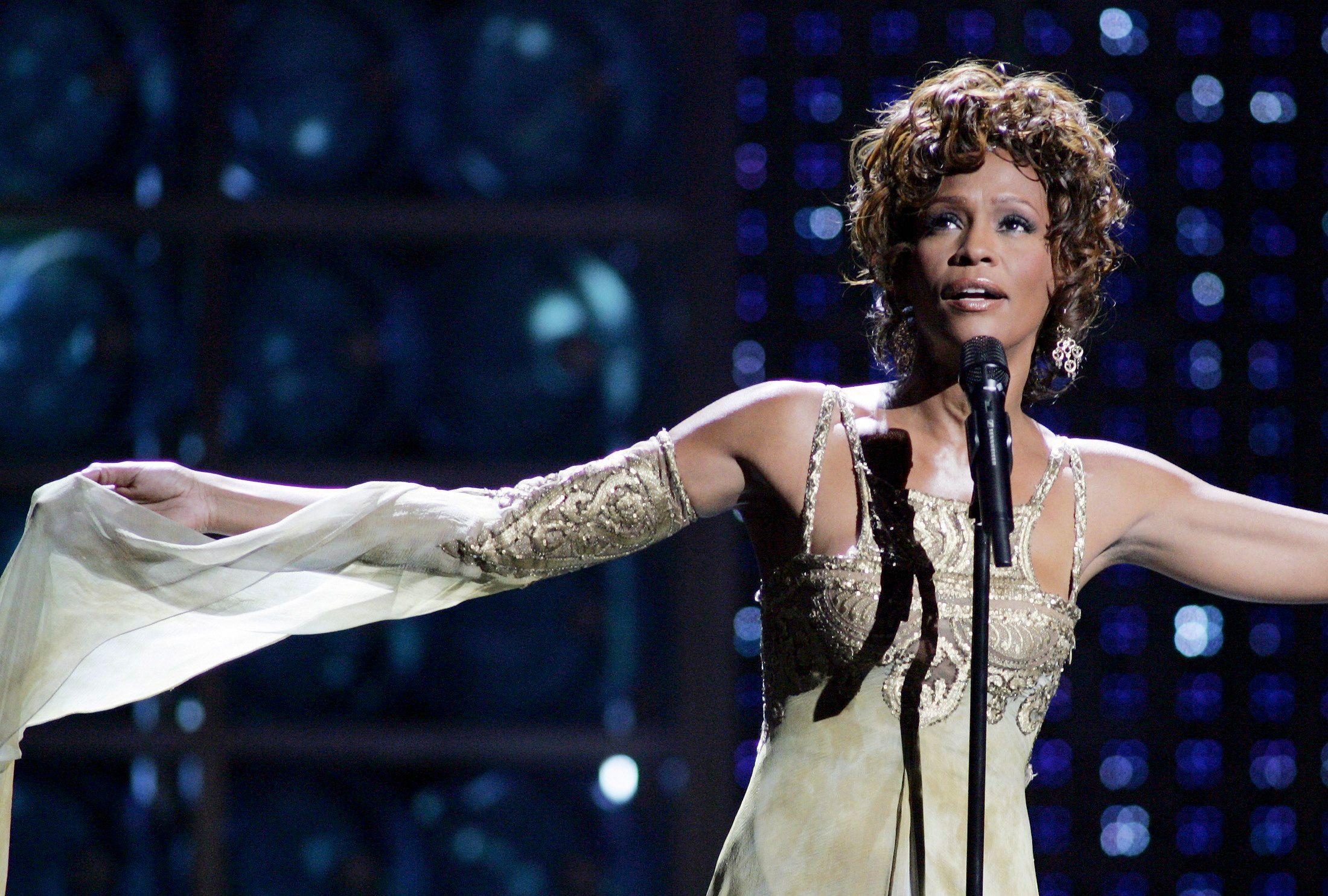 Whitney Houston : la vie de la chanteuse américaine fera l'objet d'un biopic diffusé en 2015