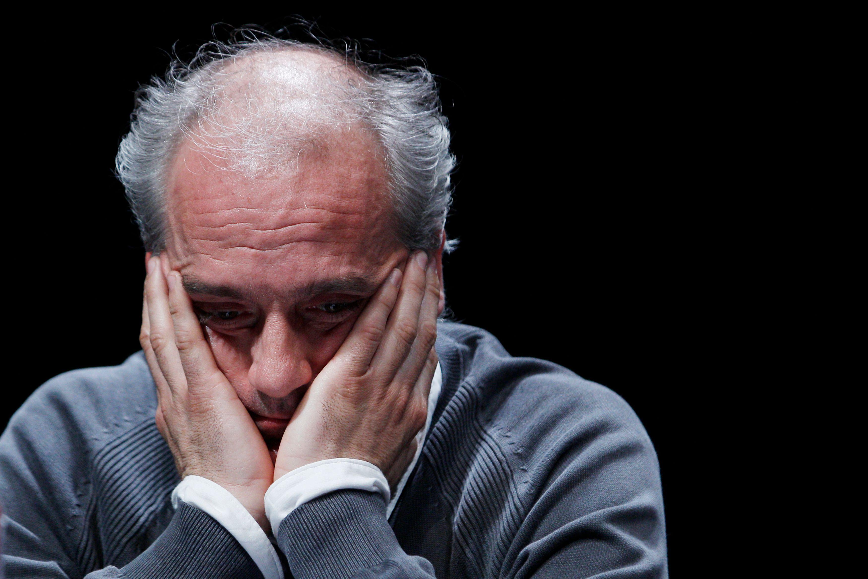 Philippe Poutou ne veut pas d'alliance avec Jean-Luc Mélenchon pour le moment.