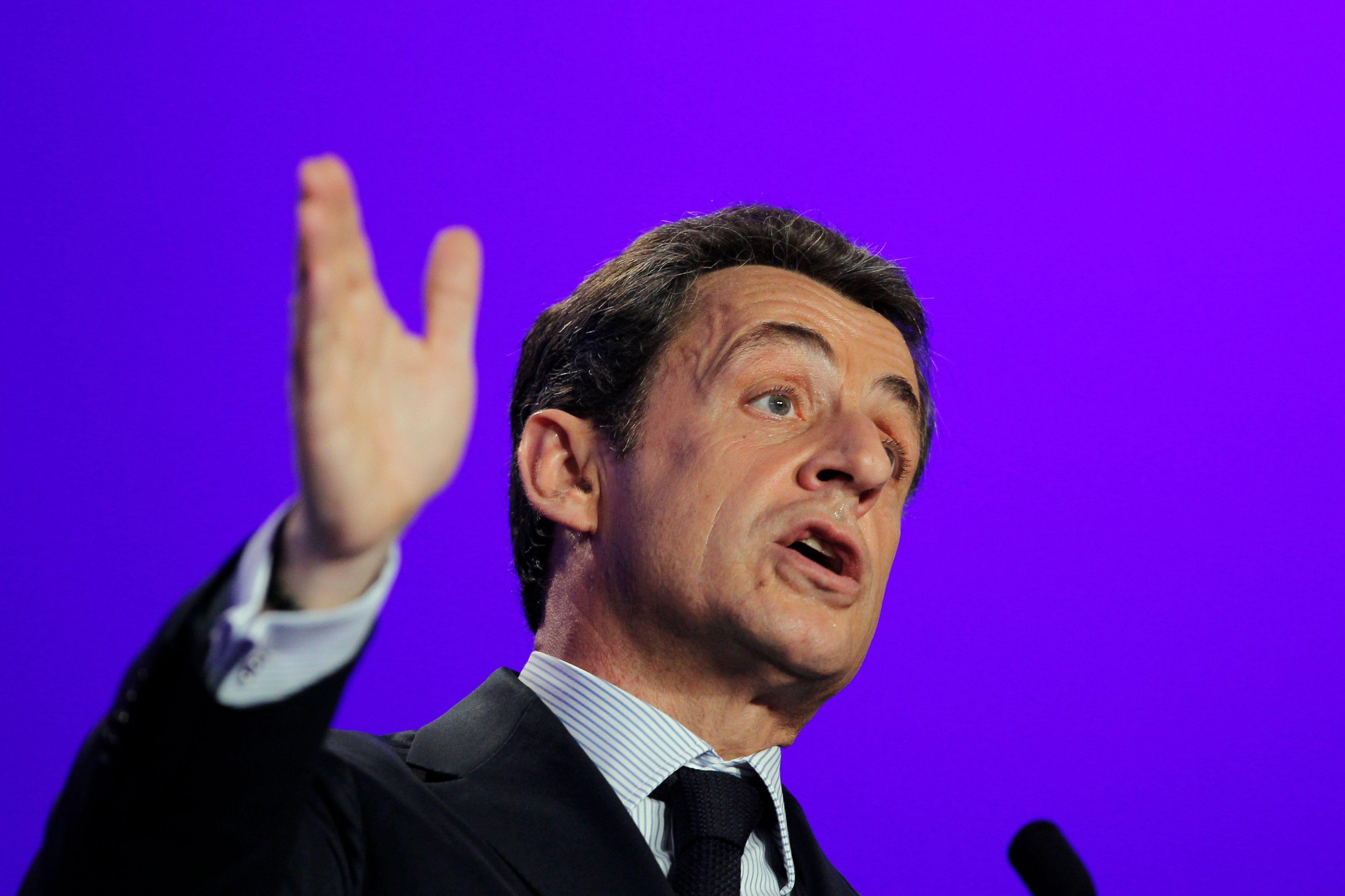 Le placement en garde à vue de Nicolas Sarkozy est un événement unique dans l'histoire de la Vème République.