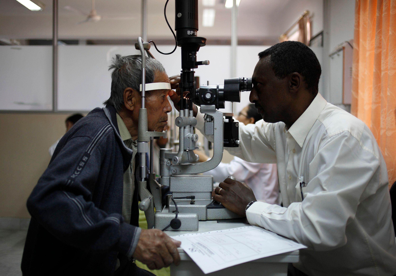 Les recherches se multiplient pour guérir aveugles et malvoyants.