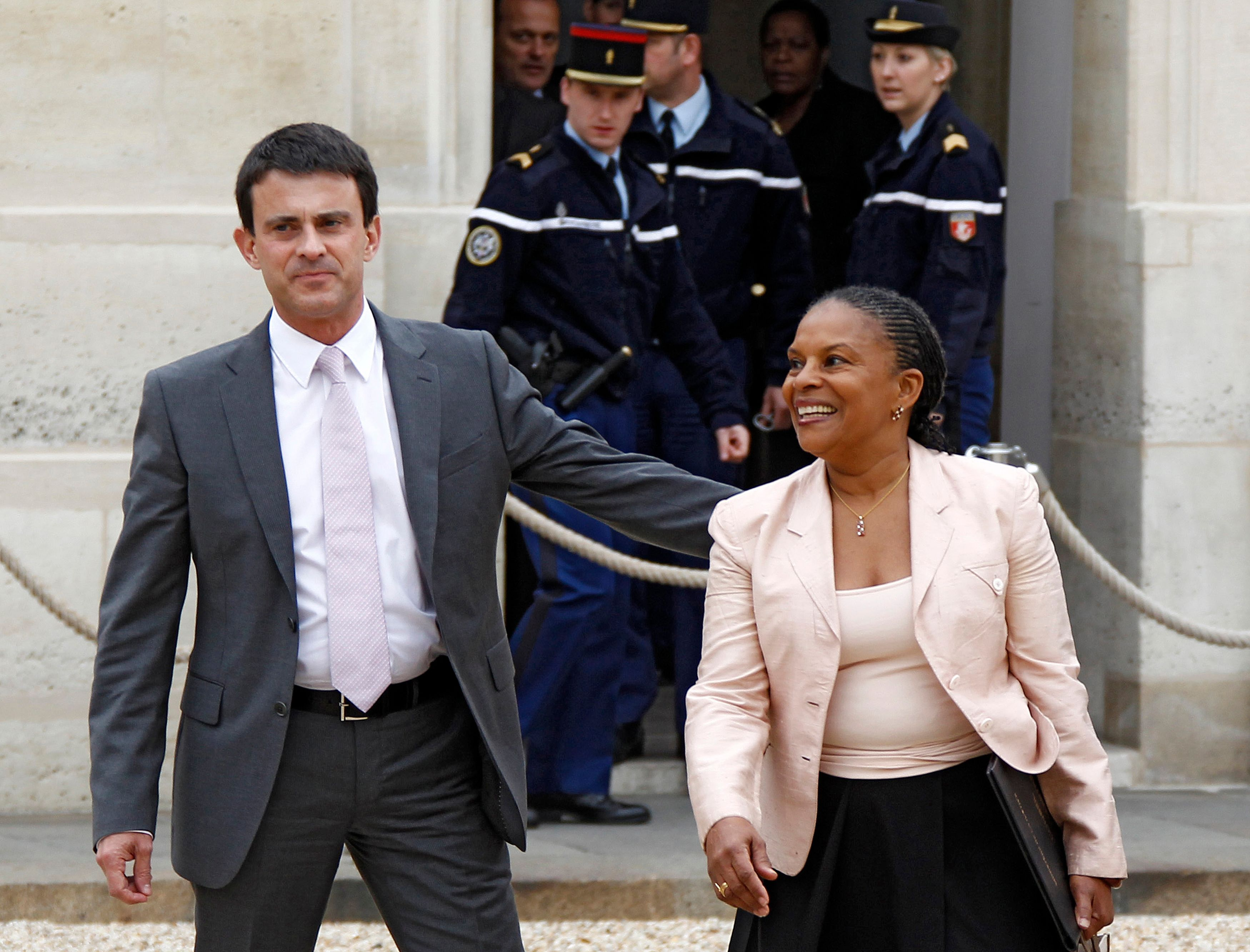 Les ministres Manuel Valls et Christiane Taubira.