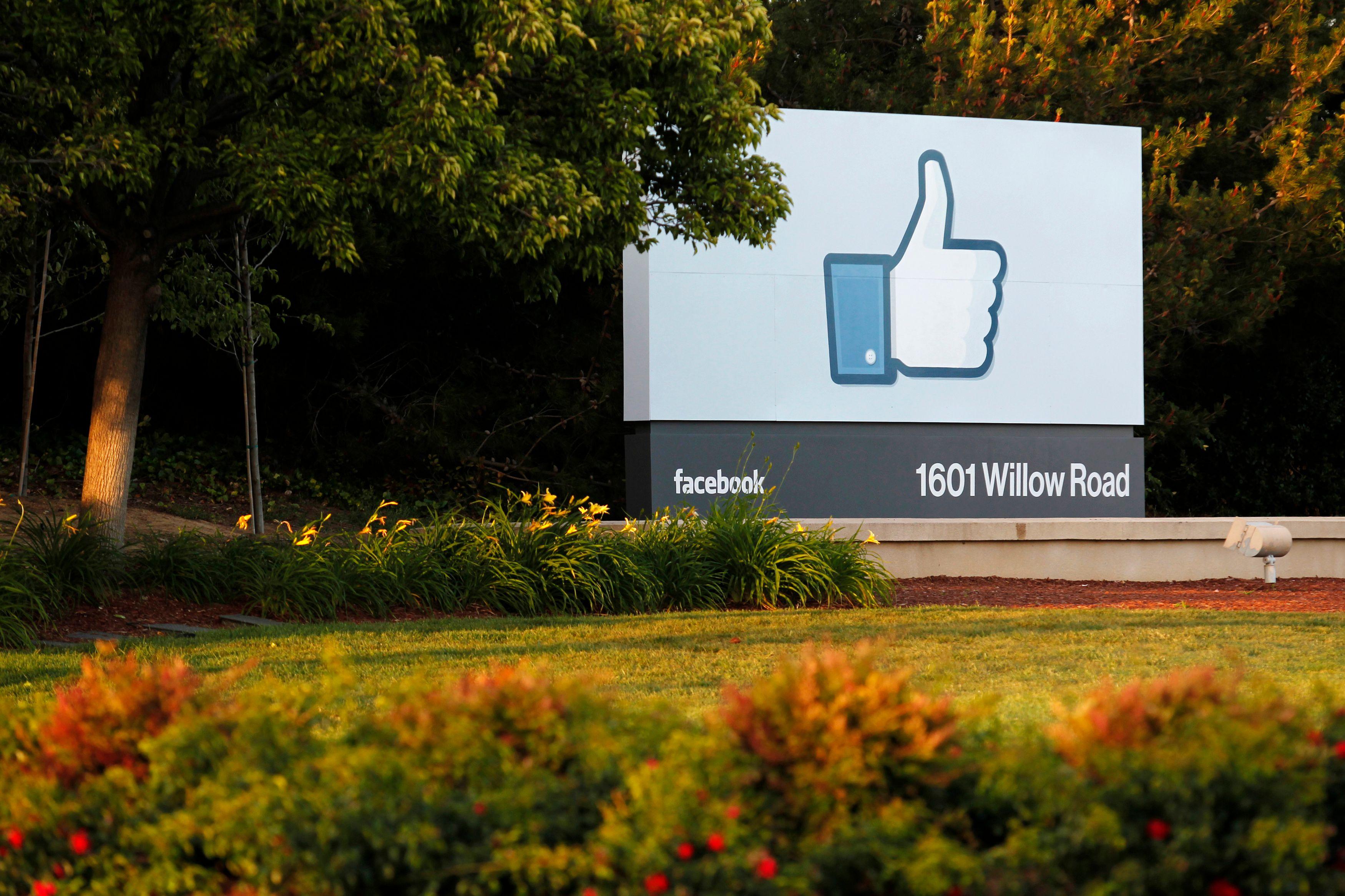 Et Facebook lança sa plus grande révolution : la fin de l'hégémonie du bouton J'aime